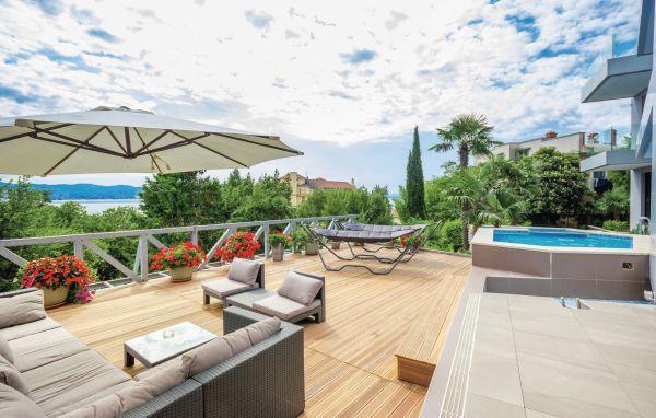 Luksuzni apartman s bazenom i jacuzzijem za 2+2 osobe (046)
