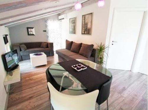Apartment 2+2 Personen (013)